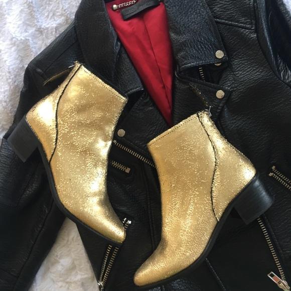 23595da59535  Dolce Vita  Gold Cassius Leather Chelsea Boot
